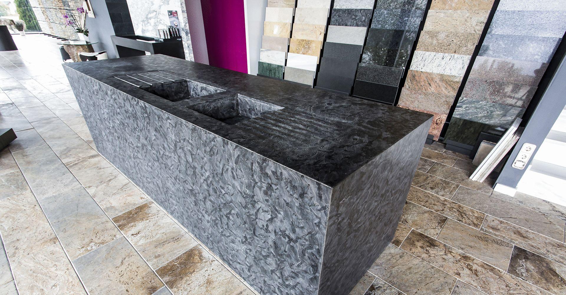 Puigcerd la cerdanya piedra pizarra m rmoles y for Piedras marmoles y granitos