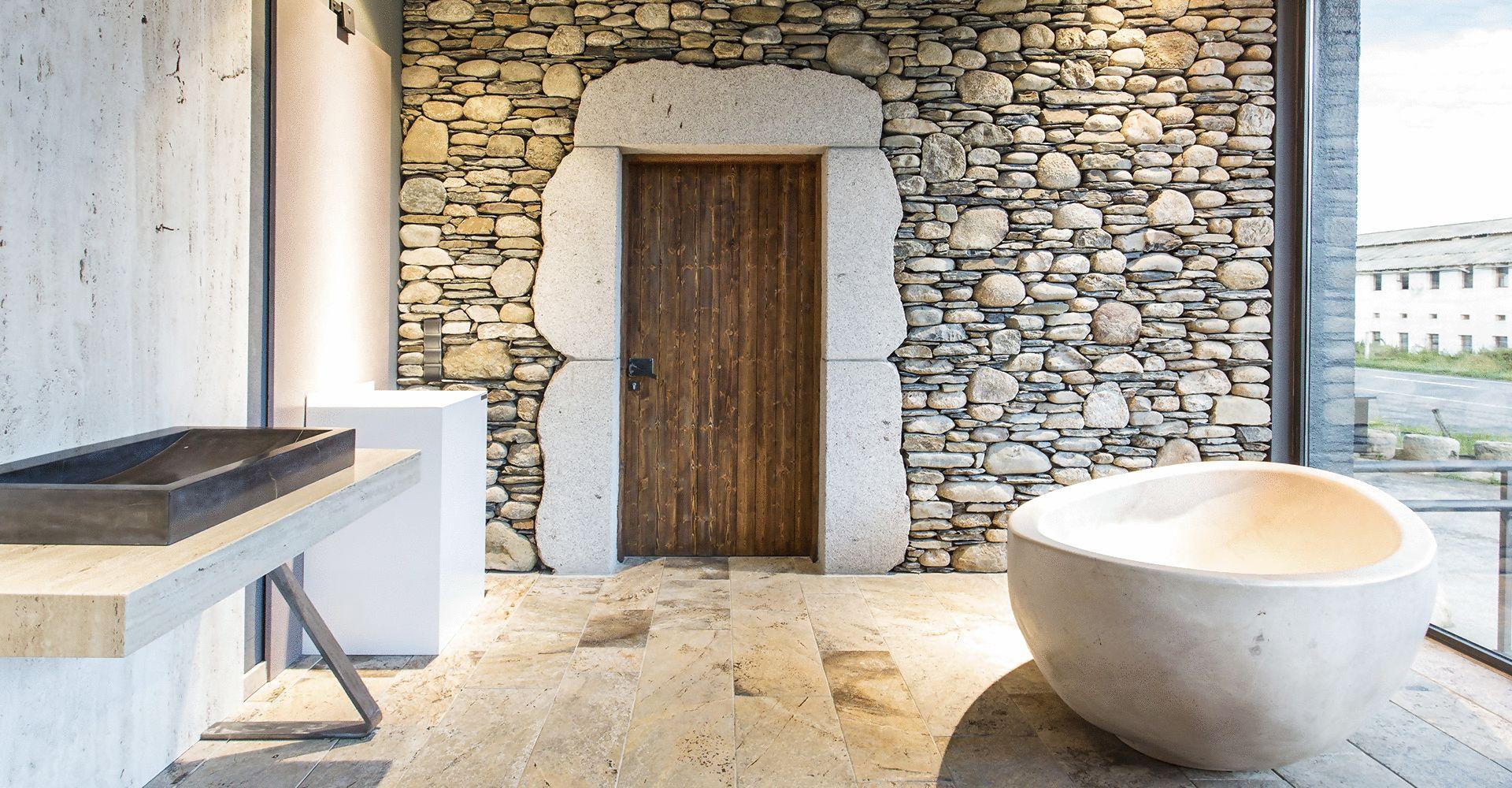 Puigcerd la cerdanya piedra pizarra m rmoles y for Piedras granitos y marmoles