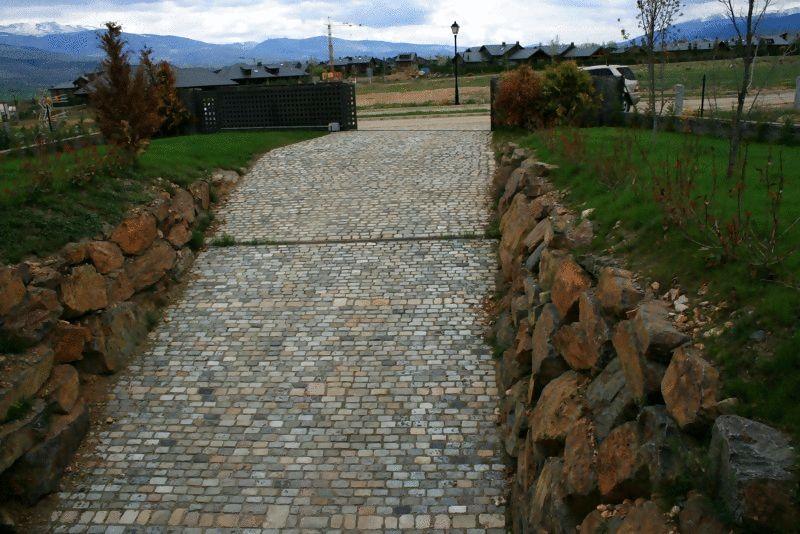 Pavimentos puigcerd la cerdanya piedra pizarra for Piedras marmoles y granitos